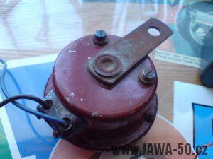 Renovace Jawa 550 Pionýr z roku 1958 - houkačka (klakson) v původním stavu