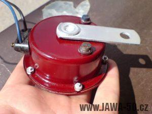Renovace Jawa 550 Pionýr z roku 1958 - zrenovovaný klakson (houkačka)