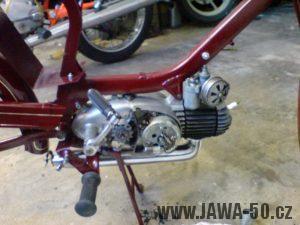 Renovace Jawa 550 Pionýr z roku 1958 - montáž motoru
