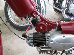 Renovace Jawa 550 Pionýr z roku 1958 - umístění klaksonu (houkačky)