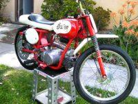 Americký mini motocykl Indian Boy Racer s motorem Jawa 20 Pionýr