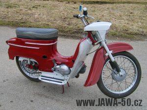 Druhá výrobní etapa motocyklu Jawa 50 typ 05 Pionýr z roku 1963