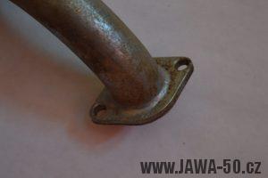 Zakroucené výfukové koleno Jawa 50 snižující výkon motoru