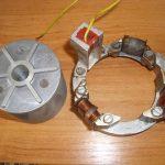 Originální tyristorové bezkontaktní zapalování pro Jawa 23 Mustang - snímač a rotor zespodu