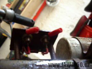 Usměrňovací grätzův můstek vývozního motocyklu Jawa 23A Golden Sport