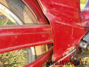 Jawa 50 typ 550 Pionýr (pařez) z roku 1958 v původním stavu - kryt řetězu