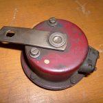 Novější provedení klaksonu Jawa 550 z let 1957-1958