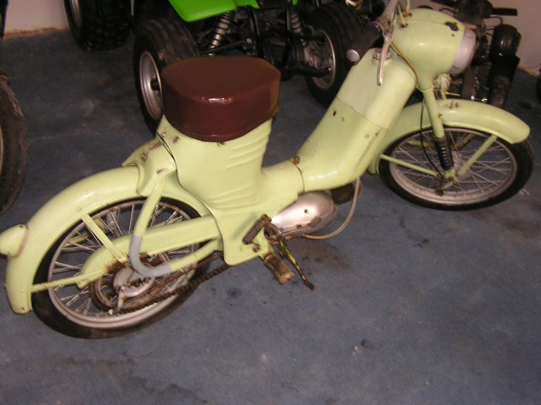 Jawa 550 odstín zeleň bílá ČSN 5018