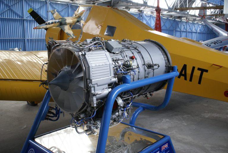 Proudový letecký motor Lotarev DV-2, vyráběný v ZVL Považské strojárne