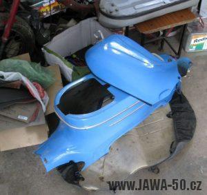 Motocykl Jawa 05 z roku 1962 v původním stavu - karoserie