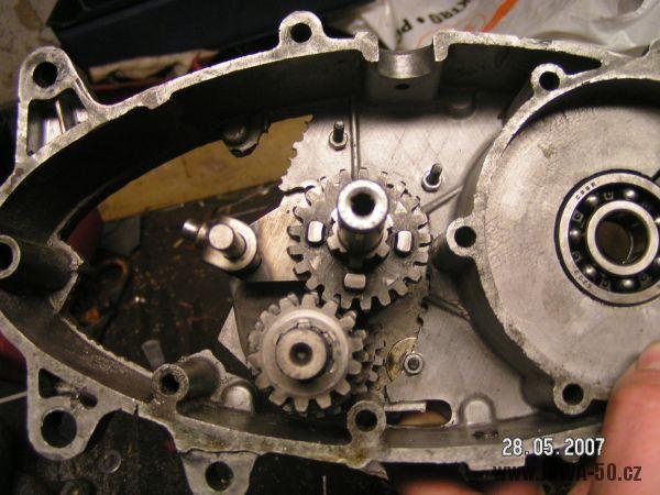 Motor Jawa 50 upravený pro čtyřstupňovou převodovku ČZ 175