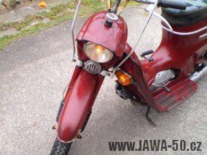 Vývozní (exportní) motocykl Jawa 50 typ 05 Pionýr z roku 1963 pro USA a Kanadu s ukazateli směru, brzdovým světlem a plexi štítem