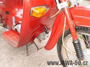 Vývozní motocykl Jawa 05 Pionýr z roku 1963 pro USA a Kanadu - přední blikače
