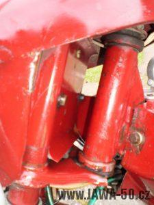 Vývozní (exportní) motocykl Jawa 50 typ 05 Pionýr z roku 1963 pro USA a Kanadu s ukazateli směru, brzdovým světlem a plexi štítem - maska předního světlometu