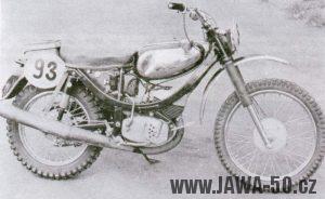 Terénní motocykl Jawa s banánovým rámem