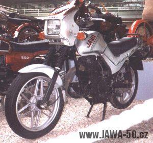 Prototyp Jawa 420 typ 823 z roku 1990 na výstavě k 70. letům Jawy v NTM v Praze 1999
