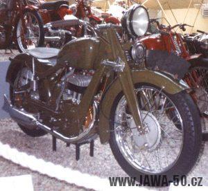 Prototyp Jawy 350 SV určený pro armádní zkoušky (foto z výstavy v NTM Praze 1999 k 70. letům Jawy)