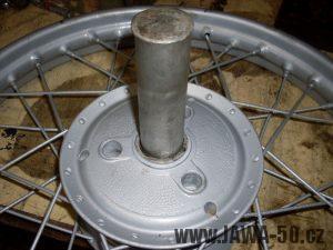 Vlisování nového ložiska do náboje kola