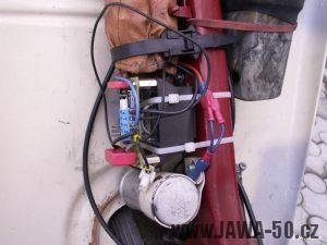 Fotka hotového tyristorového zapalování pro Jawa 50 Pionýr