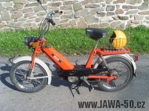 Vývozní moped Jawa 50 typ 207-356 Babetta - zboku