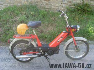Vývozní moped Jawa 50 typ 207-356 Babetta - zprava