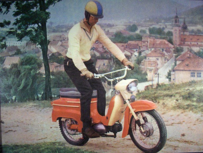 Sériové provedení motocyklu Jawa 05 Sport v terénním provedení
