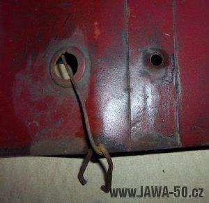 Jawa 550 přední kryt, tzv. prsíčka - druhé provedení