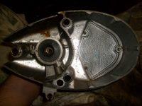 První varianta motoru Jawa 20 - pravé víko motoru s hliníkovým víčkem
