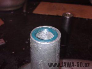 Startovací hřídel Jawa 50 Pionýr utěsněna guferem