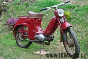 Motocykl Jawa 555 Pionýr (pionier) z roku 1959 v původním stavu