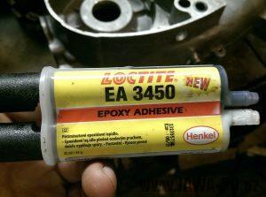 Dvousložkový tekutý kov pro opravu hliníkového odlitku motoru Jawa 50 pionýr