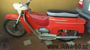 Motocykl Jawa 20 Pionýr z roku 1968 s atypickým výrobním číslem v původním stavu