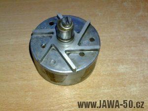 Zapalování (alternátor) motocyklu Jawa 05 s výrobním číslem 05-6120-F´- rotor