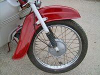 Motocykl Jawa 50 typ 05 Pionýr z roku 1963 v původním stavu - přední kolo, brzdový štít a blatník