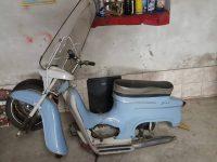Motocykl Jawa 50 typ 20 Pionýr z roku 1969 holubí modř v původním stavu - plexištít