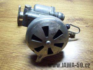 Novější provedení karburátoru Jikov 2912 (Jawa 550) - úprava pro škrtící clonu nasávaného vzduchu