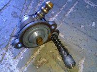 Karburátor Jikov 2912 - novější verze - víčko plovákové komory s obohacovačem