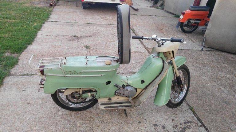 Vývozní (exportní) motocykl Jawa 50 typ Super M20 Pionýr pro Maďarsko z roku 1968