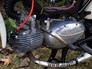 Motor Jawa 23 (1979) - řadící páka