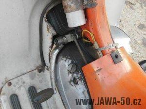 Motor Jawa 20 (1979) - řadící páka