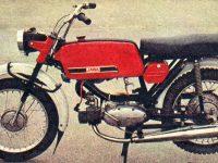 Svět motorů 27/1975 - Test motocyklu Jawa 23 Mustang (01)