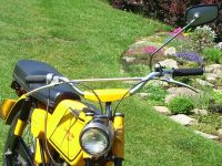 Sedmé provedení řídítek (s hrazdou) montovaných na motocykly Jawa 50 (typ 21 Sport a 23 Mustang pro export)