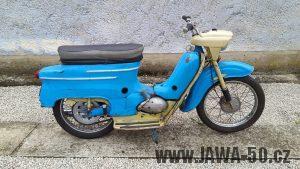Motocykl Jawa 05 Pionýr z roku 1962 v originálním stavu