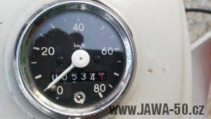 Motocykl Jawa 220.100 Pionýr z roku 1980 v originálním stavu - tachometr FER
