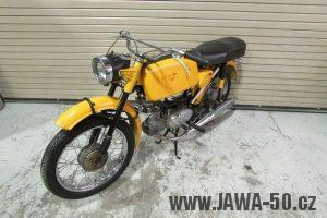 První provedení vývozního motocyklu Jawa 23 Golden Sport z roku 1971 v původním stavu