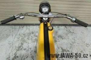 První provedení vývozního motocyklu Jawa 23 Golden Sport z roku 1971 v původním stavu - nádrž a řídítka