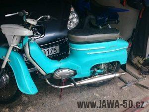 Jawa 50 typ 21 Sport (Pionýr) z roku 1972 s novým typem trubkové kyvné zadní vidlice