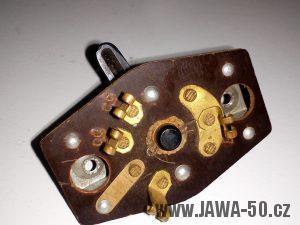 Motocykl Jawa 550 Pionýr (pařez) - první varianta přepínače světel