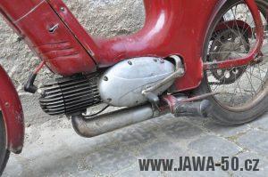 Motocykl Jawa 550 Pionýr (pařez) z roku 1955 v původním originálním stavu - supačky, stojan a výfuk