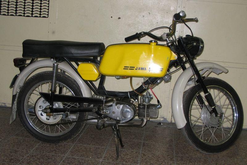 Jawa 223 Mustang z roku 1982 s tyristorovým zapalovánímm
